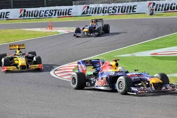 En el arranque el polaco Kubica separaba a los dos Reb Bull.