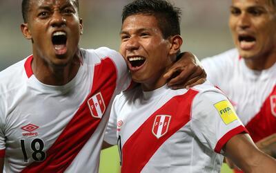 Perú despierta a tiempo para ganar a Catar con dos goles tardíos 6362636...