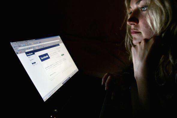"""""""Los usuarios de  Facebook - famosos o no - necesitan tener un mejor cui..."""