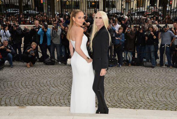 ¡Qué tal esta foto! Ambas famosas mostrando su mejor ángulo, aunque sabe...