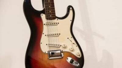 La guitarra eléctrica de Bob Dylan fue vendida por $965 mil dólares.