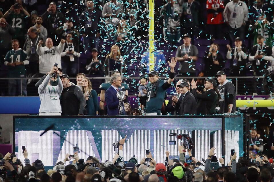 Un triunfo histórico: Eagles dan la sorpresa y se imponen 41-33 a los Pa...