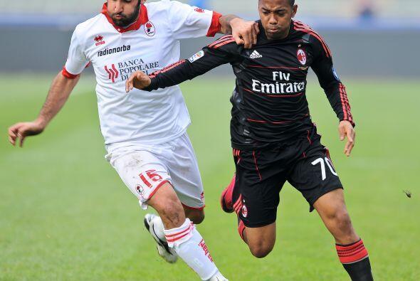 El Milan enfrentó al Bari en una visita que resultaba clave en sus aspir...