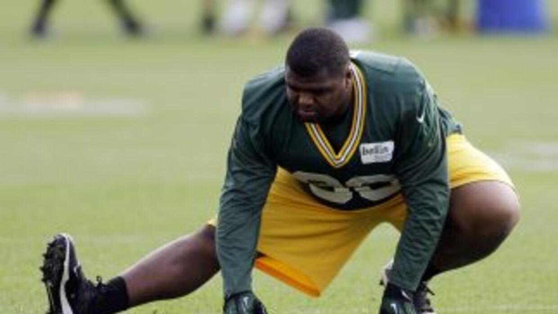 B.J. Raji podría quedarse con los Packers (AP-NFL).