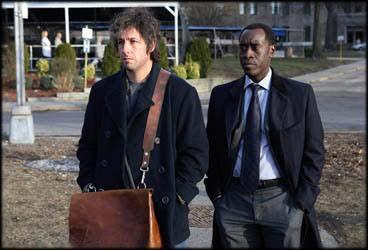 Alan Johnson(Adam Sandler)  perdió su familia en los ataques del 11 de s...
