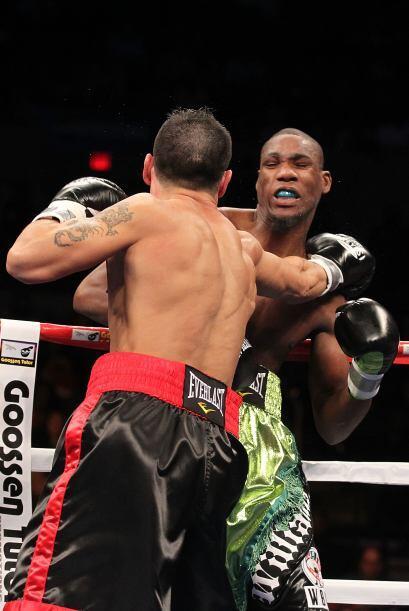 Martínez se mostró más rápido y coordinado y conectó varios golpes preci...