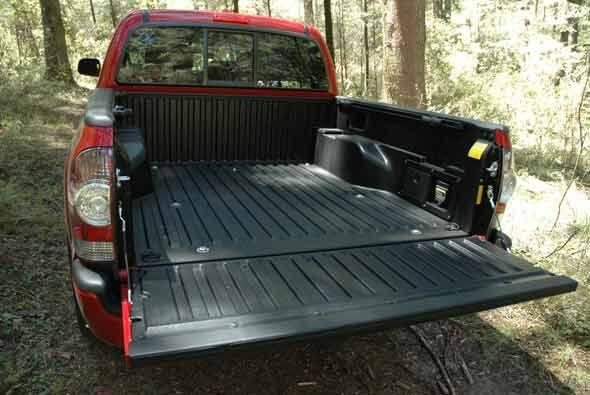 Aunque es una pick-up mediana tiene buena capacidad de carga.
