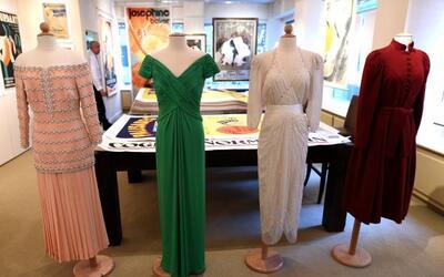 Cinco vestidos de la princesa Diana serán subastados a principios...