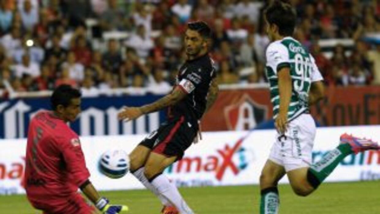Oswaldo Sánchez tuvo una gran actuación la noche del sábado en el Jalisco.