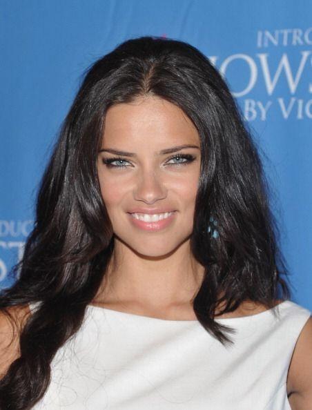 Adriana Lima, además de un cuerpo espectacular, tiene una mirada de ánge...