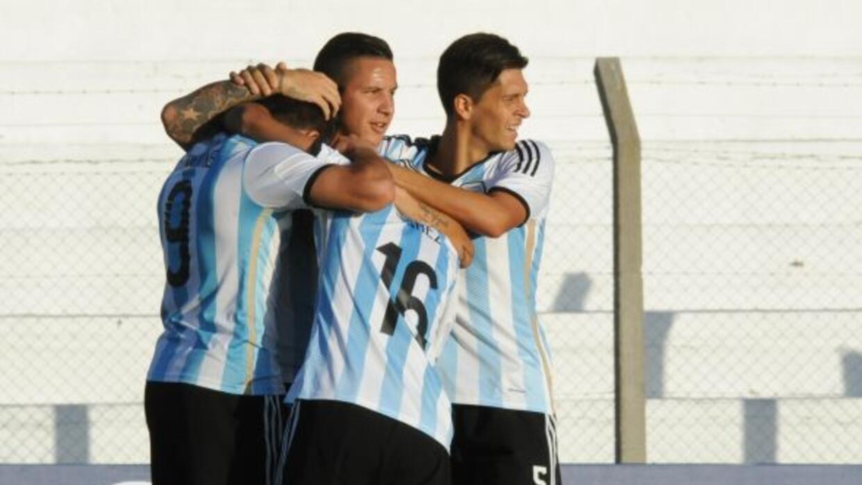 Simeone, hijo del técnico del Atlético de MAdrid, violvió a marcar doble...