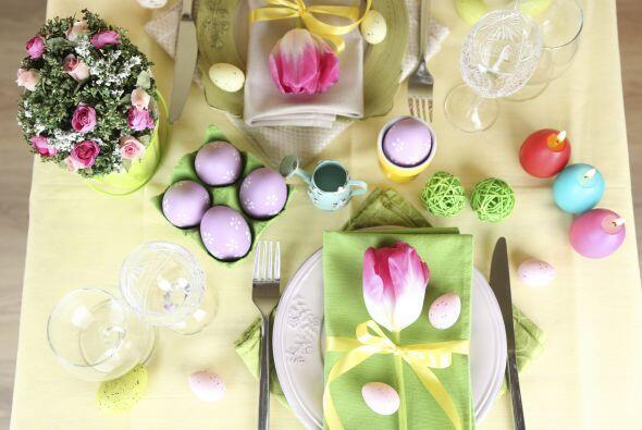 Puedes mezclar los huevos de Pascua con objetos que ya tienes en casa co...