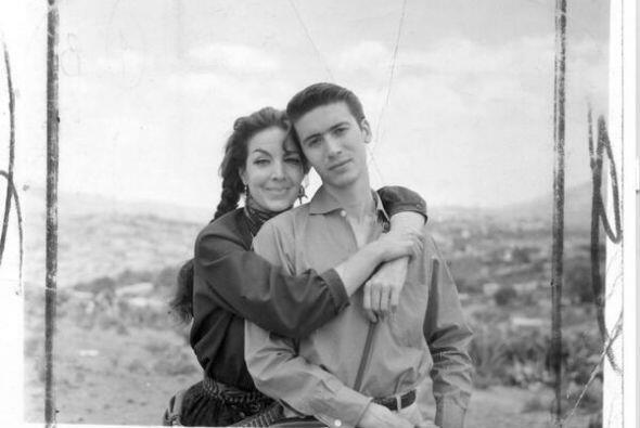 Este actor era el hijo de María Félix, ¿lo recuerdas?