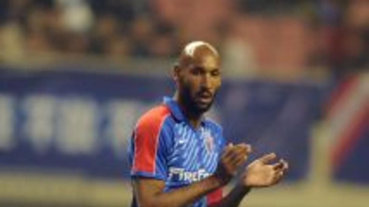 Anelka estará hasta final de temporada con Juventus.