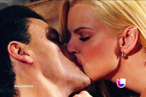 Ese beso parece muy real Chavita, lástima que no te va a gustar lo que t...