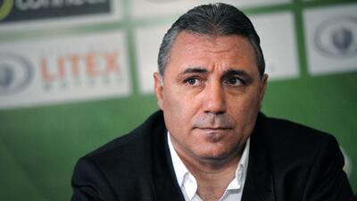El crack de Bulgaria arremetió contra varios dirigentes del fútbol mundial