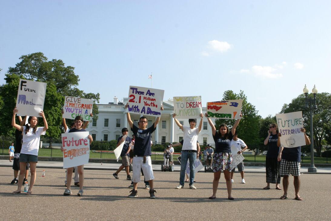 2010 | Un grupo de jóvenes indocumentados de Massachusetts y Nueva York...