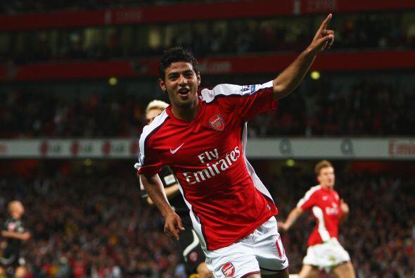 El polémico Carlos Vela debutó en la Liga de Campeones con el Arsenal en...