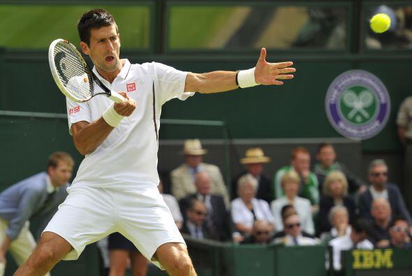 Djokovic avasallaba a su rival de tal modo que Mayer acabó perdie...