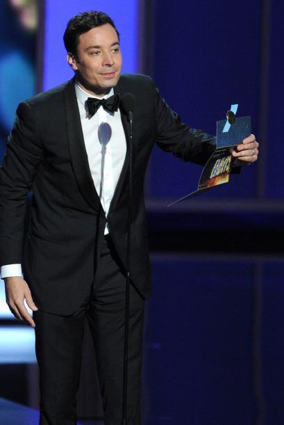 Jimmy Fallon, anunciando un ganador. Mira aquí lo último en chismes.