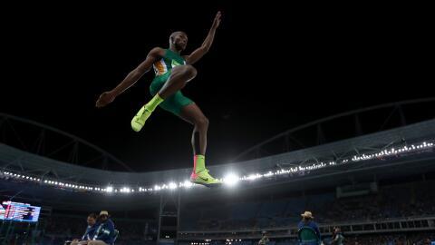 Luvo Manyonga campeón del mundo en salto de longitud.