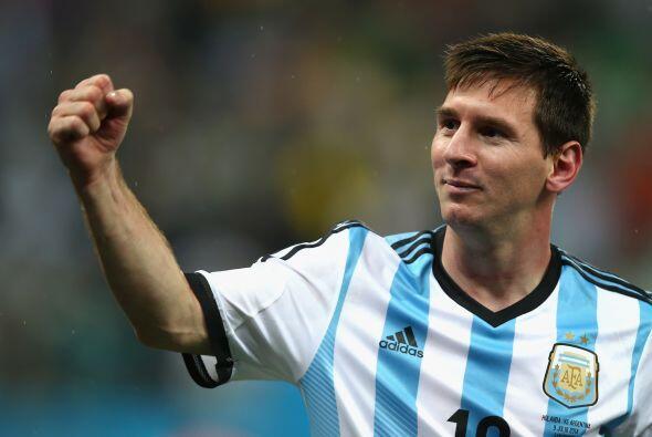 No cabe duda que Messi es de otro planeta, veremos que otras hazañas log...