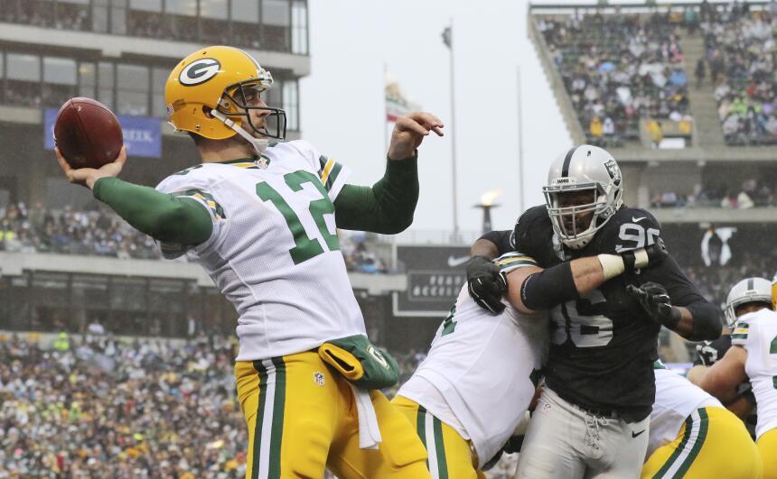 Los Green Bay Packers vencieron 30 - 20 a los Oakland Raiders para avanz...
