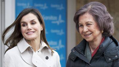 Juntas y sonrientes: reaparecen la reina Letizia y doña Sofía con Felipe VI en Madrid