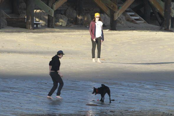 Kristen y Alicia llevaron a su mascota.