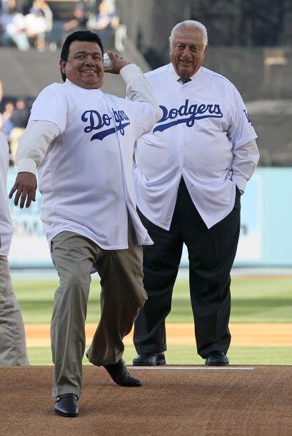 Valenzuela es una leyenda de los Dodgers y comenta los partidos de la es...