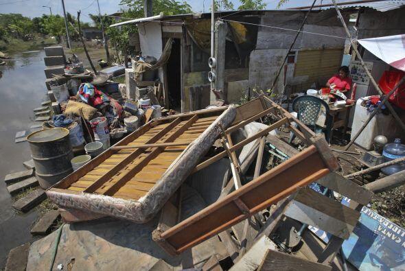 Las lluvias inundaron pueblos, cultivos, destruyeron parcialmente carret...