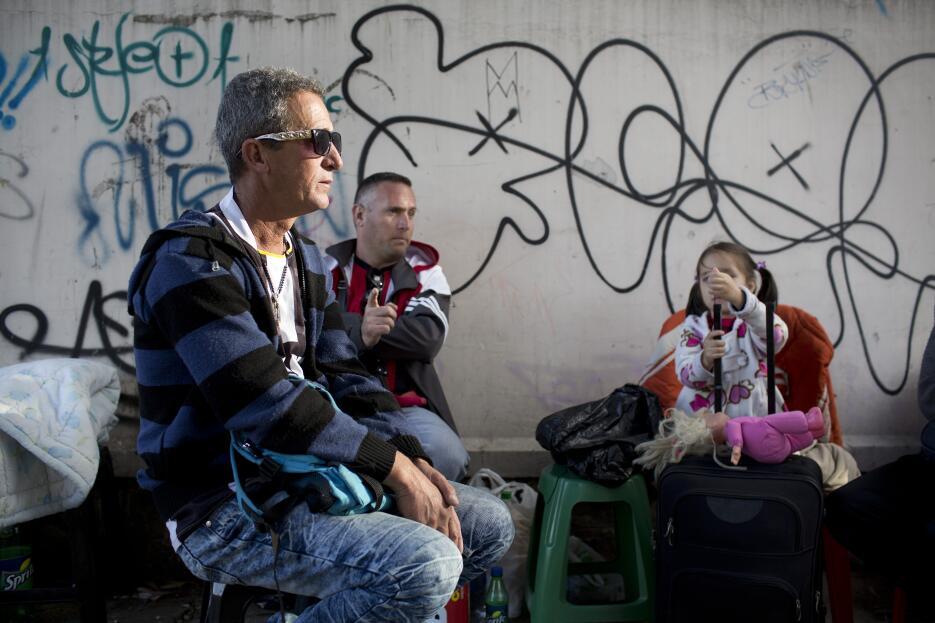 Los familiares de los detenidos tenían incluso sus maletas, eran persona...