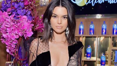 Primero el acné y ahora los pies: cuanto más Kendall Jenner huye del escándalo, más la critican