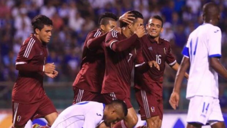 A Honduras no le alcanzó el tiempo y perdieron por 2-3 ante Venezuela.