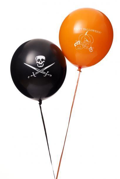 Globos temáticos. Puedes personalizar globos comunes (blancos o naranjas...