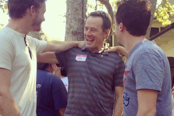 Bryan saludando a los chicos.