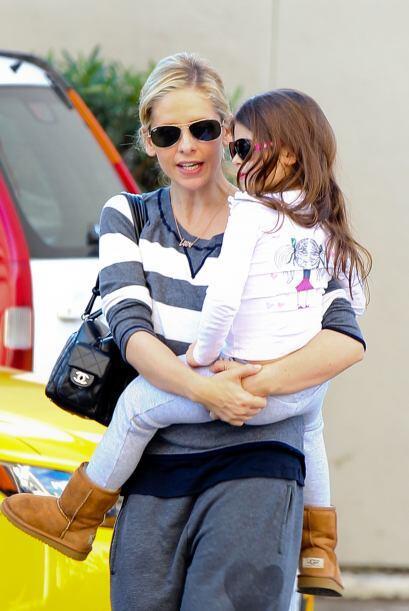 Quien tampoco se separa de sus botitas 'ugg' es la hija de la actriz Sar...