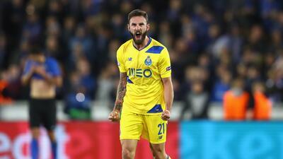 Miguel Layún marcó un golazo y el Porto remontó para vencer 2-1 al Bruja...