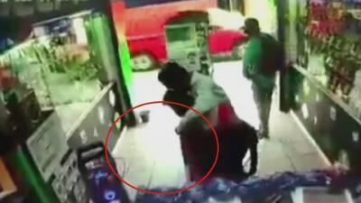 Amenazó a su víctima con un cuchillo para robarle, pero encontró una feroz resistencia