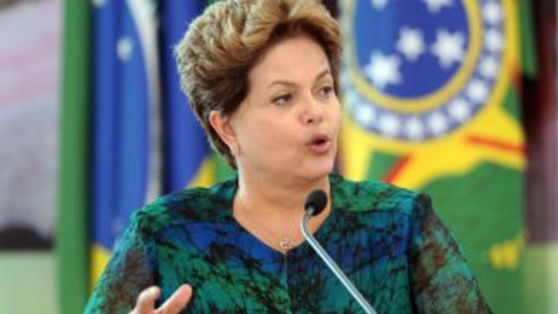 La presidenta de Brasil se reunirá con sus ministros para analizar las m...