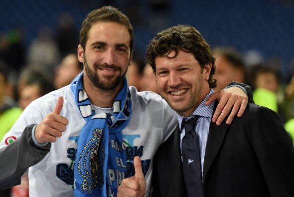 Gonzalo Higuaín, quien tuvo una destacada actuación, festejó de esta man...