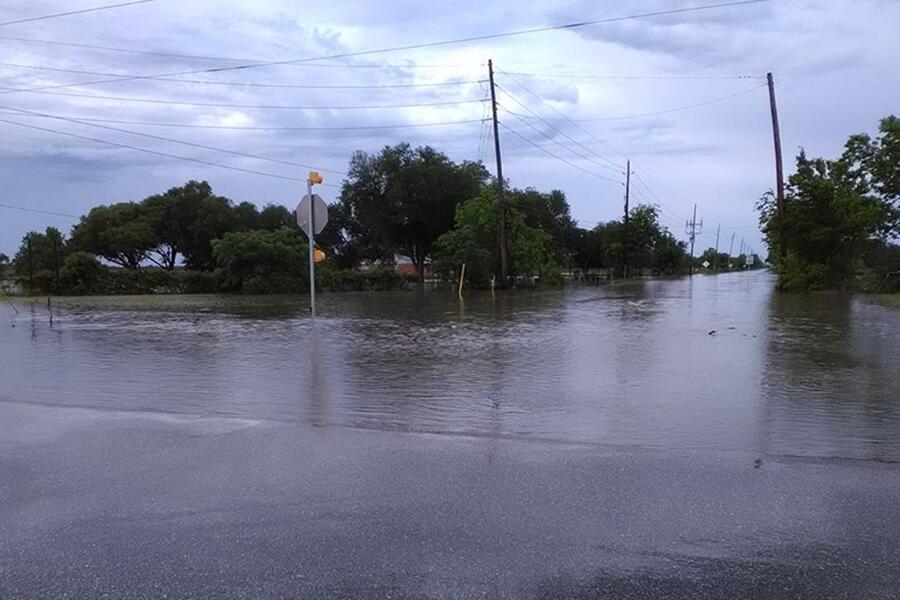 Continúa el drama de las inundaciones en Houston y áreas aledañas