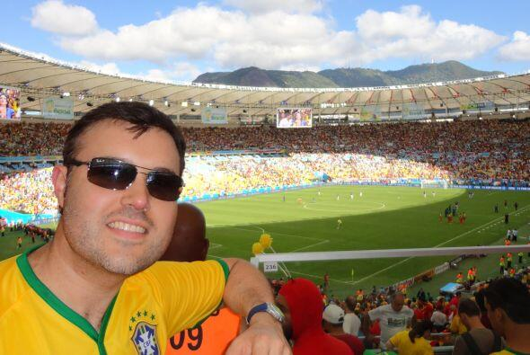 El estadio de Maracaná tiene un capacidad de 75,000 personas, luego de s...