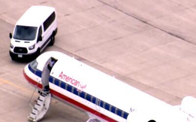 Un avión de American Eagle con humo en la cabina tuvo que aterrizar de e...