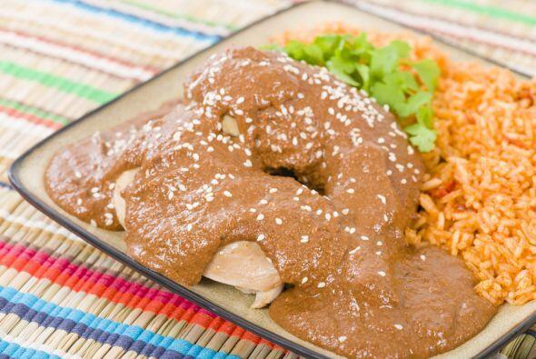 MOLE POBLANO. Esta receta mexicana cuenta con muchos años de antigüedad...