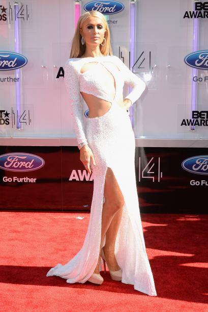 Paris HiltonMira aquí los videos más chismosos.