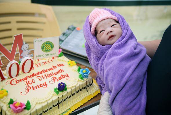 Algunos de los bebés considerados de los 100 millones recibieron...