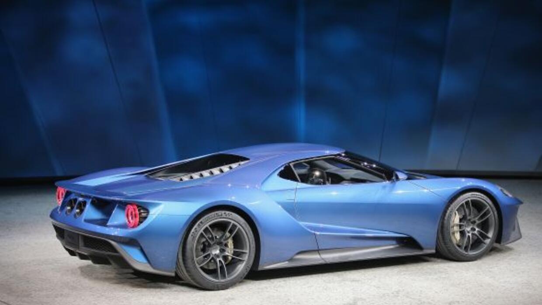 El nuevo GT equipa un motor central EcoBoost V6 que se supone estará ent...