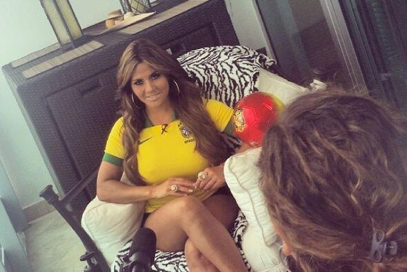 Claro, no podía faltar el uniforme de la selección anfitriona, Brasil. T...