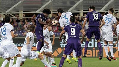 Fiorentina vence 1-0 al Chievo Verona sin Carlos Salcedo